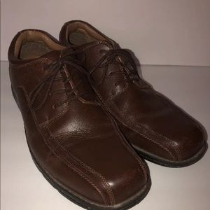 Dockers brown leather lace up size 13M Oxford